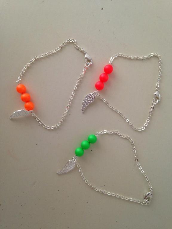 Bracelet perles néon à 14€