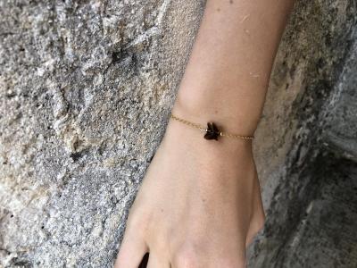 Bracelet sur chaîne plaqué or avec papillon en cristal