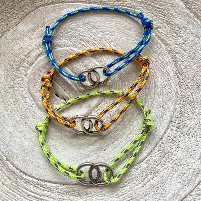Bracelet anneaux et corde de parachute