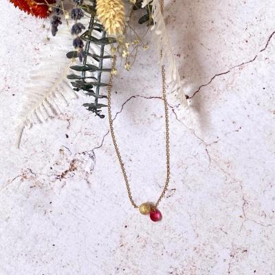 Collier plaqué or avec perle pépite d'or et pastille en cristal