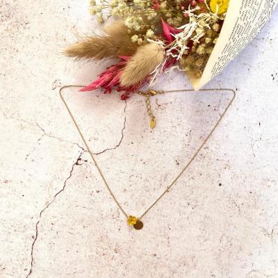 Collier ras le cou avec pendentif en cristal