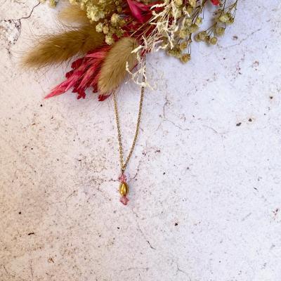 Collier perle en cristal et pendentif ovale plaqué or
