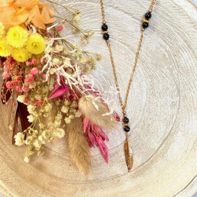 Sautoir plume et perles en cristal