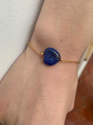Bracelet avec perle naturelle en forme de coeur