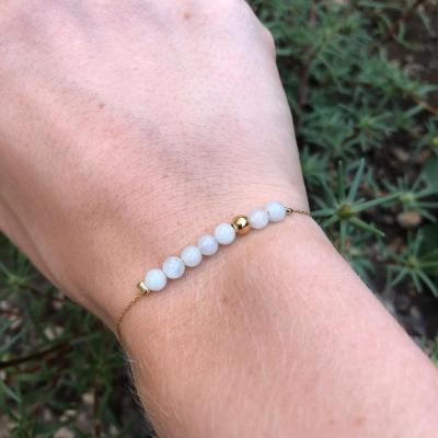 Bracelet perles naturelles et mini perle plaqué or