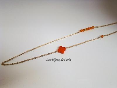 Sautoir plaqué or avec perles de cristal et perle de verre